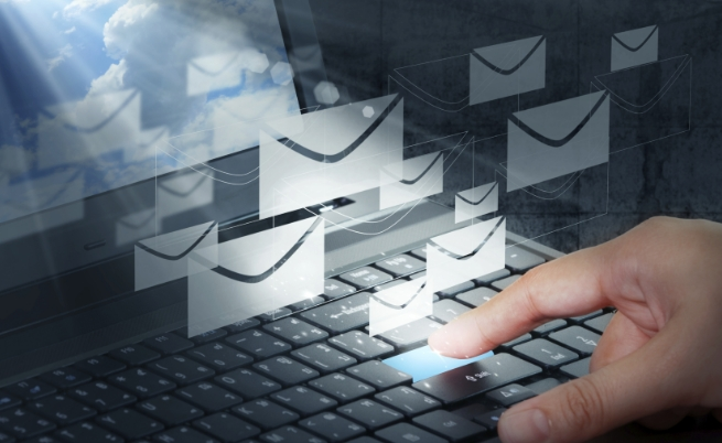 Фалшиви имейли спам дългове