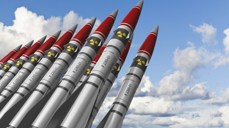 ЕвроНАТО оръжие пари