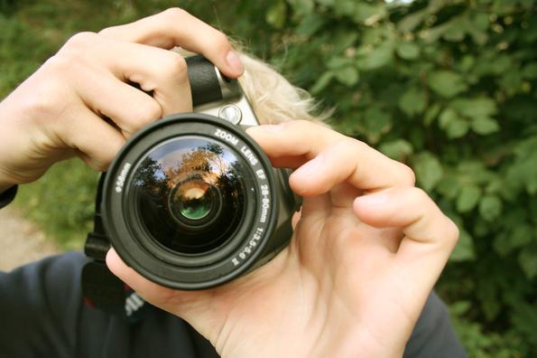 Младите хора вече не ползват фотоапарати