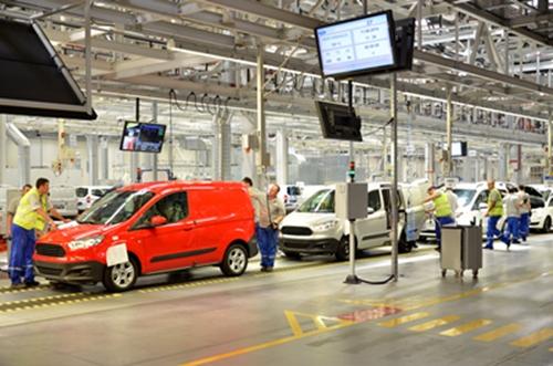 Ford'un Türk mühendisleri tarafından tasarlanan Courier modelinin üretildiği Ford Otosan Yeniköy Fabrikası'nın yıllık 110 bin adet araç üretim kapasitesi bulunuyor.  (ŞAHİN OKTAY - Anadolu Ajansı)