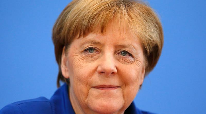 ЕС Меркел Мигранти