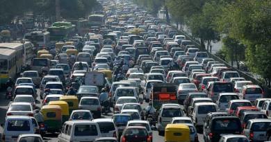 Париж с укорен план за забрана на  колите с бензин и дизел