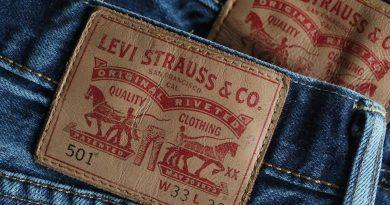 Levi Strauss планира отново да стане публична компания