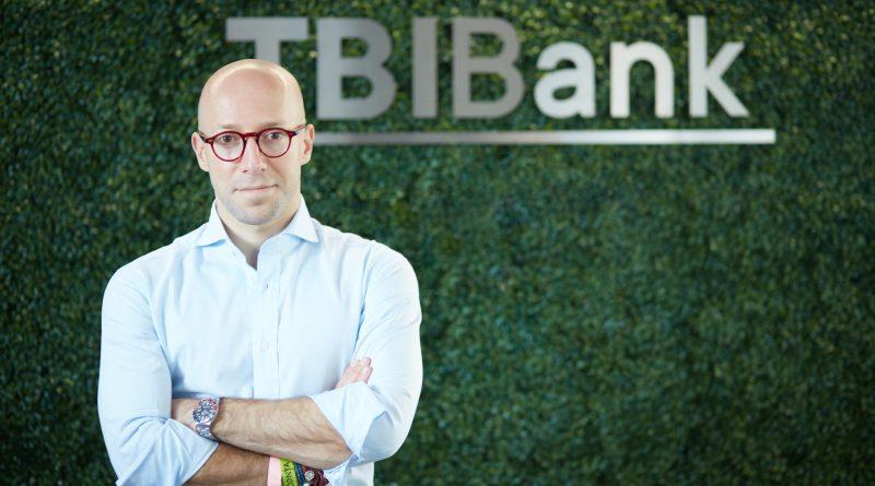 банка заскупуване дигитална Petr Baron